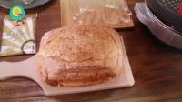 拉丝到天际的烤芝士面包