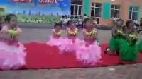 小学生舞蹈视频大全_六一儿童舞蹈《欢乐中国年》