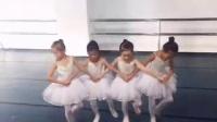 芭蕾舞劇目課--四小天鵝