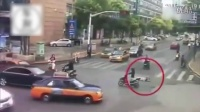老妇躺马路中央碰瓷被奥迪女司机径直压上,女司机有责任吗?