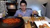 韩国吃播大胃MBRO吃辣年糕披萨炸物芝士球芝士条紫菜包饭饺子