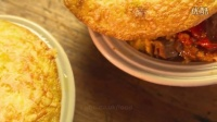 香辣牛肉玉米面包派、草莓慕斯蛋糕与杏仁橘子酱蛋糕