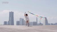绚丽彩带舞者才艺表演实拍高清视频素材