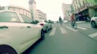 视频: 死飞新手教学视频岛国少年高速公路将死飞玩到极致