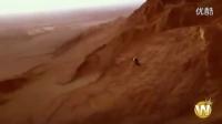 视频: 妹纸也会玩速降 骑行在生死瞬间的画面