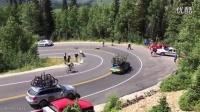 2015美国环犹他州自行车赛几名车手在一处弯道发生惨烈碰撞