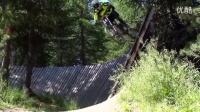 自行车达人Brumotti在意大利小镇利维尼奥炫技