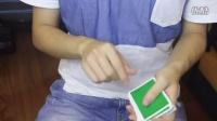 把妹魔术:如何在眼皮底下把牌变消失?来学这招!