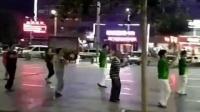 这个广场舞。。。我真是忍不住啊哈哈。。BGM配的太好了