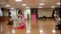 台湾美女吴若玲肚皮舞表演   嘻嘻 太好看了