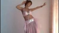 【依美视频】白皙丰满美少妇家中自拍热舞_标清