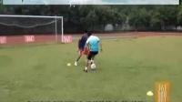 10足球    运球进攻和防守