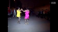 观舞听歌,农村年轻女子双人舞《母亲》。