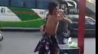 残疾流浪歌手演唱陈百强《偏偏喜欢你》