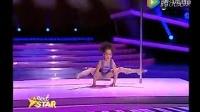 8岁小女孩的钢管舞,看傻了! 922WW最新网址入口相关视频