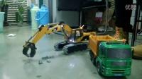 希希全金属丝杆挖掘机模型客户配合泥头试玩二
