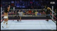WWE爆乳女裁判撕逼卢瑟夫 (1)