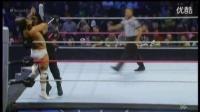 最新 WWE爆乳女裁判撕逼卢瑟夫