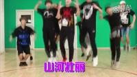 ��薛之�t,李小璐,TFBOYS的舞蹈遇上《�t高粱模特�》