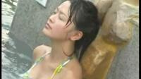 美女泡温泉——李小萌模板网