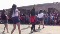 苗族舞蹈,帅哥美女唱歌跳舞,姑娘跳的太性感了! 男界女界 完整版相关视频
