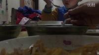 童年记忆,偷拍儿子吃饭