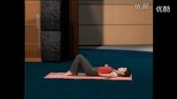 瑜伽表演(白皙丰满少妇在家练)瑜伽初级教程在家练全套
