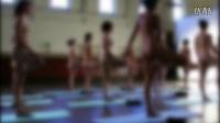 美国女性热衷练裸体瑜伽 打破精神束缚挑战自我
