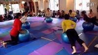 高温瑜伽(白皙丰满少妇在家练)孕妇瑜伽