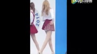 韩国大长腿美女穿小短裙在舞台上清歌热舞,养眼