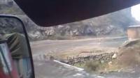 拉煤大货车下山西十八盘山实时拍摄!_标清