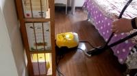 1凯驰蒸汽机清洁卧室地板