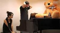 钢琴用JJ来弹-在香港女生面前用小弟弟来弹钢琴-泡妞LOL大招啊