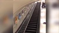 """伦敦醉酒小伙错将电梯当滑梯摔成""""倒栽葱"""""""