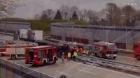 Sittensen_ LKW-Unfall im Auffahrtsbereich der A1 - Fahrer eingeklemmt