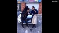 搞笑视频:二货女子去买麻辣烫_标清