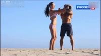 俄罗斯美女和猛男海滩性感健身