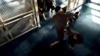ok360vip朋友圈小视频制作一个人的武林甄子丹牢房跟人打架,一拳把人家额头开洞