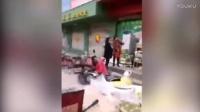 临沂一超市老板跑路 货物遭供货商市民哄抢