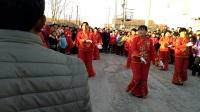 广场舞跟秧歌队,很好哟,大家都来看看呗??