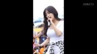 韩国美女团现场拍摄 紧身白衣 丰满迷人手热舞