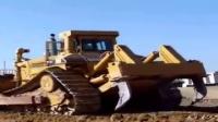 在世界上最大的推土机,一趟一座小山包就没了