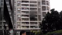 2月16日下午4点深圳龙华新区人民医院旁高档小区一楼层着火
