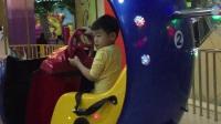 5周岁 游乐场旋转小飞机