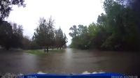 开车在洛杉矶洪水公路体验