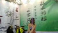 章思易2013年廊坊渔具展裸体艺术彩绘!身材超好!