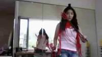 韩国可爱美女玩自拍!迅雷下载