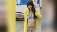 日本电眼美女新川優愛小清新泳装写真