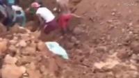 挖掘机挖到什么宝贝了?一大堆村民扛着锄头就围了过来!