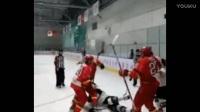 亚洲冰球联赛中韩起冲突 中国小将暴揍韩球员_超清